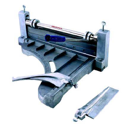 Where to find TILE CUTTER-VINYL 18 in Chicago