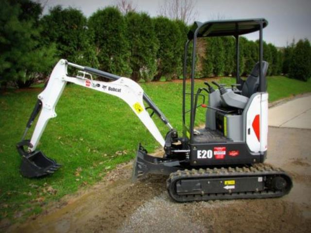 Where to find TRACK BACKHOE 8.5 BOBCAT in Chicago